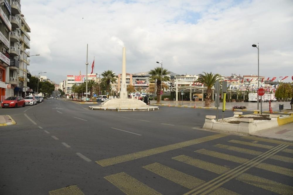 Vali Aksoy sokağa çıkma kısıtlamasına uyan Aydınlılara teşekkür etti