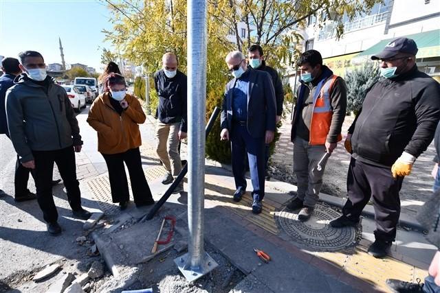 Vali Karaloğlu asfalt çalışmalarını inceledi