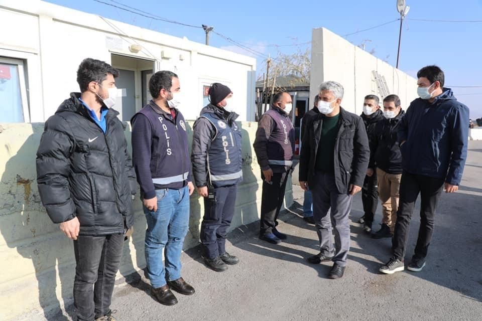 Vali Makas, polis uygulama noktaları ve 112 Çağrı Merkezini ziyaret etti