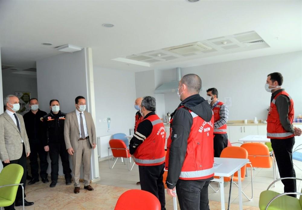Vali Şentürk, Vefa Sosyal Destek Grubunu uyardı