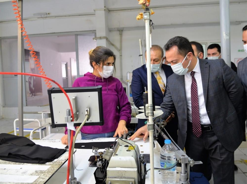 Vali Şentürk'ten fabrika ve esnaf ziyareti