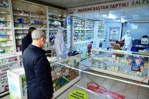 Yeşilyurt Belediyesi eczaneleri dezenfekte ediyor