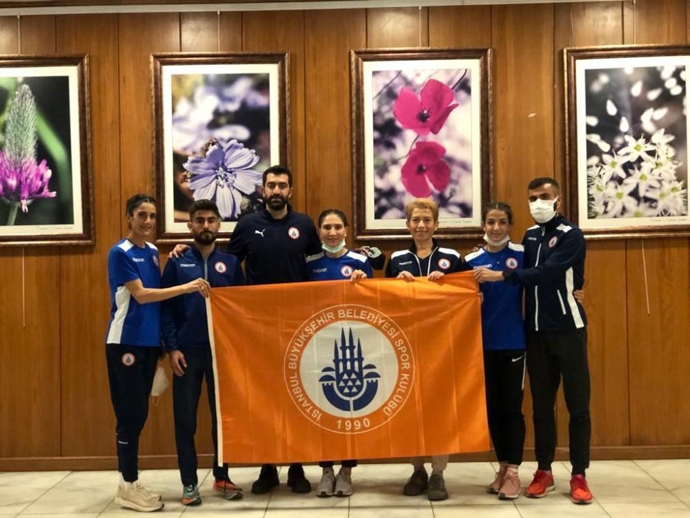 11. Adana Kurtuluş Yarı Maratonu'nda İstanbul BBSK'dan çifte zafer