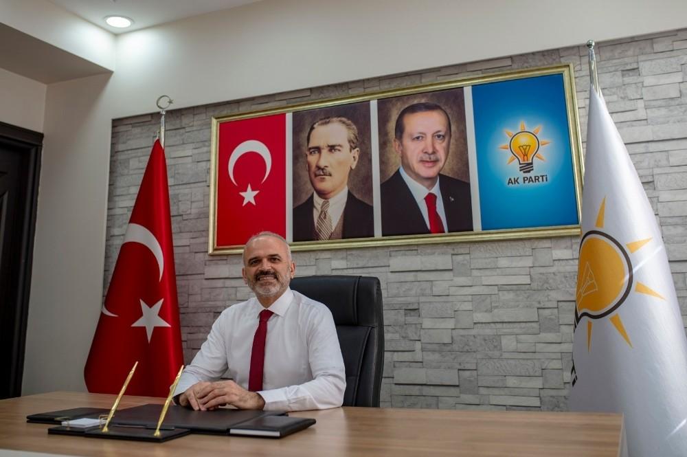 """AK Parti Efeler İlçe Başkanı Elbir, """"Gazetecilik fedakarlık ve sorumluluk isteyen bir meslektir"""""""