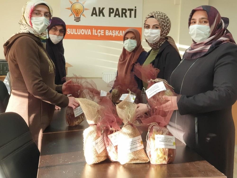 Amasyalı kadınlardan karantinadaki evlere şifa paketi