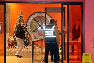 Antalya'da polis eğlence mekanları ve otelleri denetledi