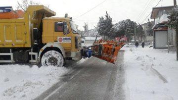 Balıkesir'de kar yağışı nedeniyle 225 kırsal mahalle yolu kapandı
