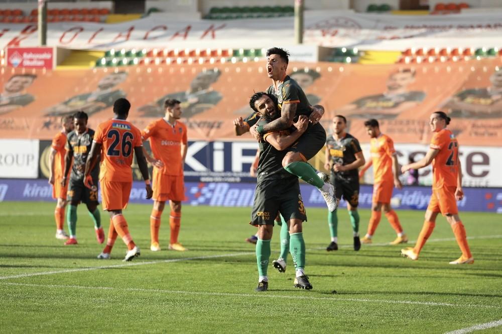 Başakşehir'in galibiyet hasreti 7 maça çıktı