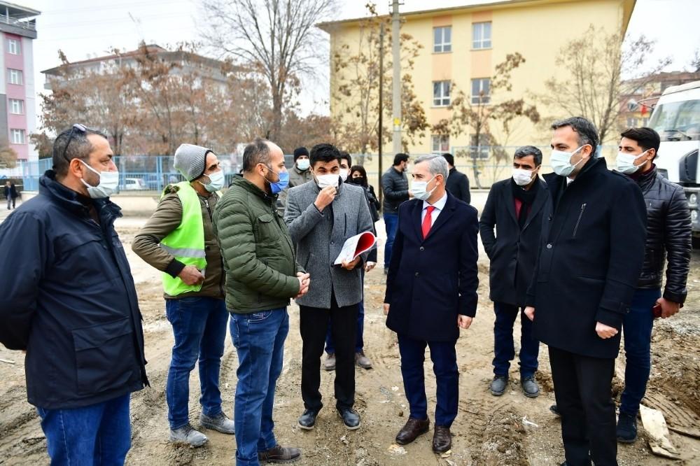 Başkan Çınar, kentsel dönüşüm proje alanını inceledi