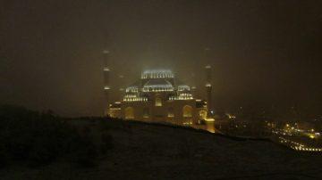 Beyaz bürünen Çamlıca Camii havadan görüntülendi