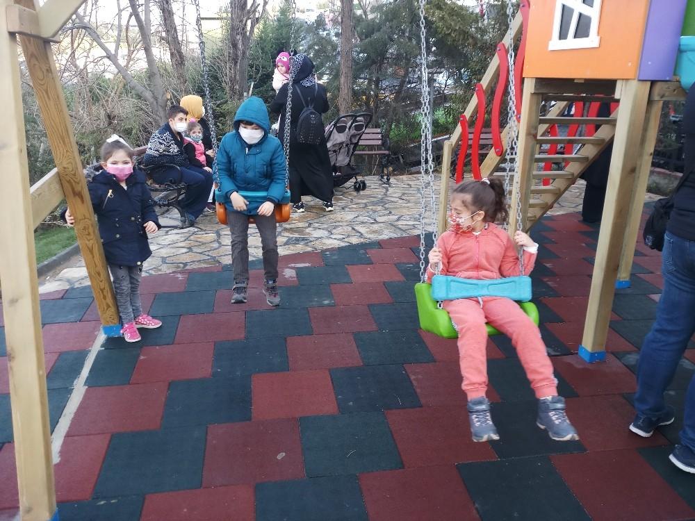 Beyoğlu'nun 11'inci mahalle bahçesi törenle hizmete açıldı
