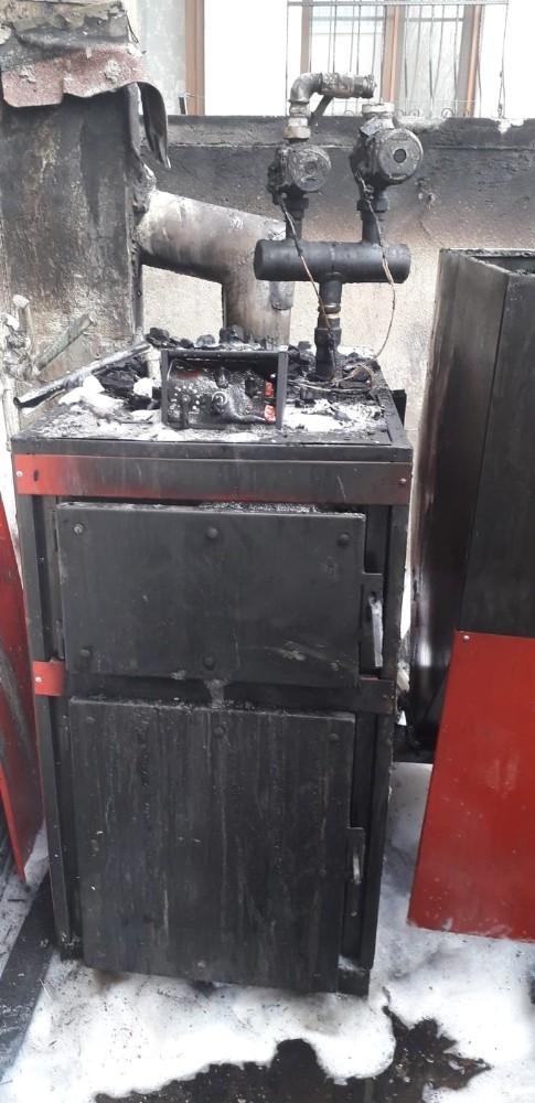 Burhaniye'de Bir Evin Kazan Dairesinde Çıkan Yangın Korkuttu