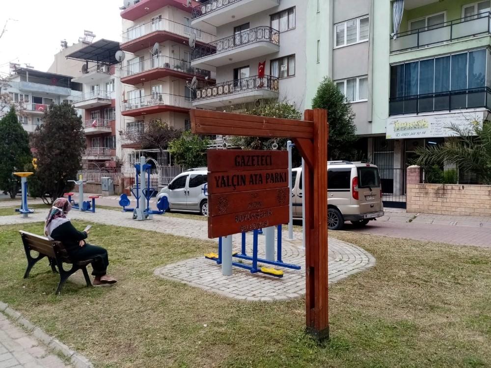 Büyükşehir ekipleri, çocuk parklarını temizliyor