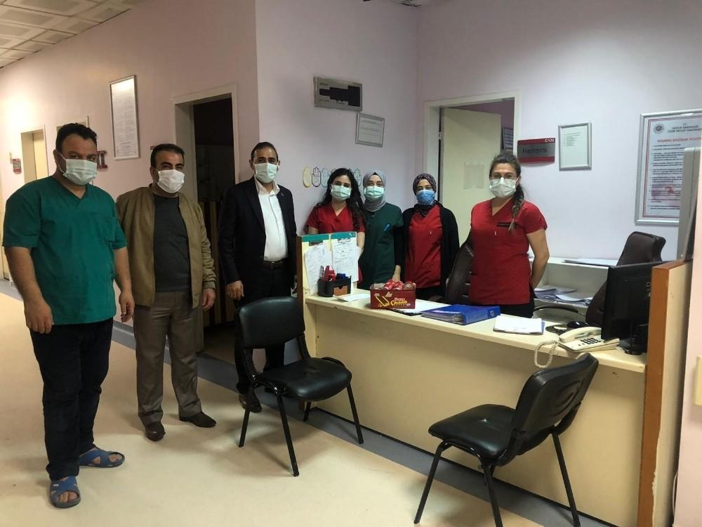 Cizre Devlet Hastanesi yöneticileri yeni yılın ilk gününde çalışanları yalnız bırakmadı