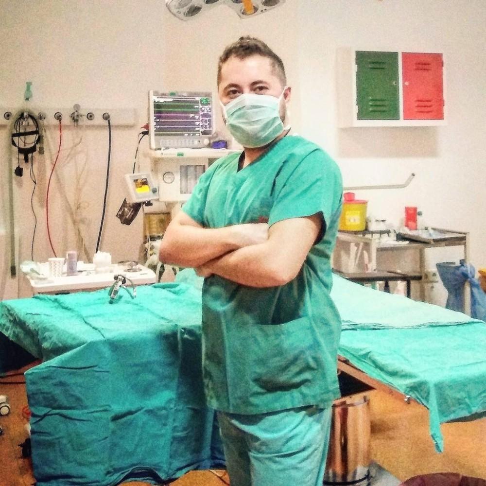 """Dr. Mustafa Kadir Toktaş: """"Merdiven altı klinikler kanserden beter sonuçlar doğurabilir"""""""