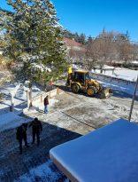 Dumlupınar'da kar ve buz ile mücadele