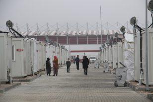 """Elazığ'da depremzedeler, 'Ekmeği, suyu, elektriği veriyorlar, biz daha devletten ne isteyelim"""""""