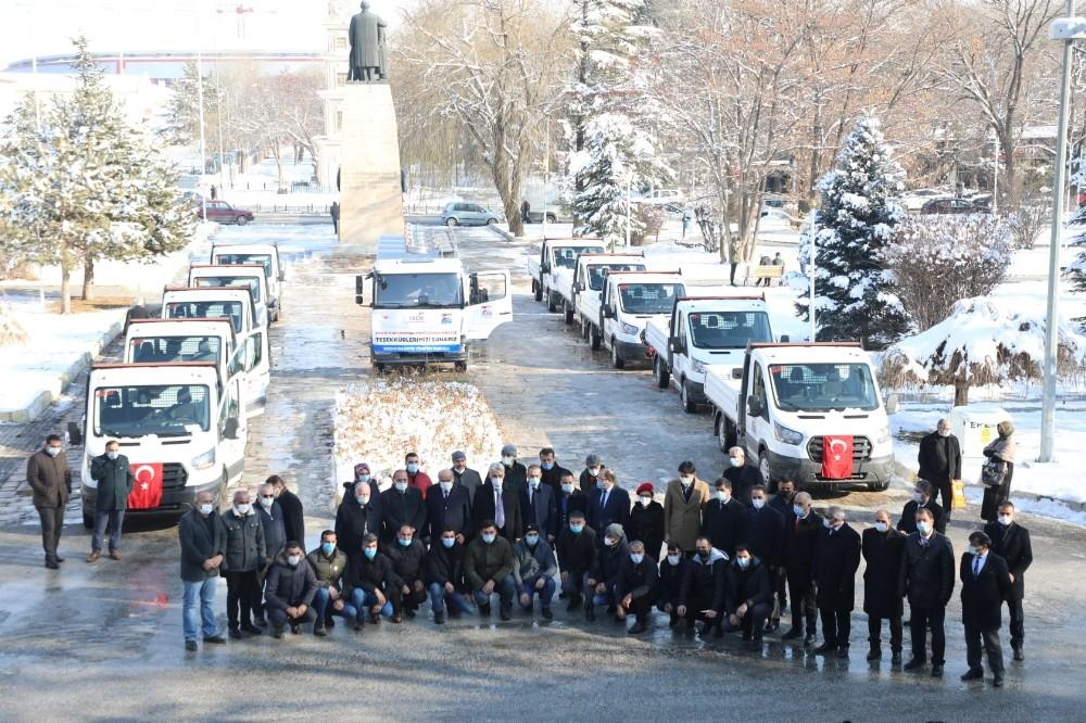 Erzincan'da hibe edilen araçların anahtar teslim töreni yapıldı