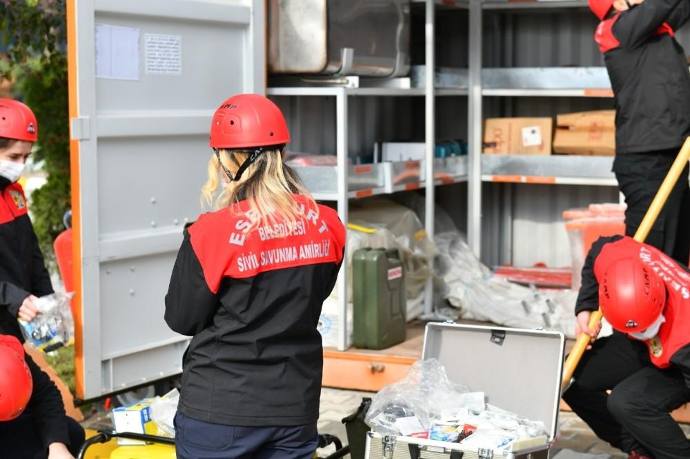 Esenyurt'ta her mahallede 30 kişilik arama kurtarma ekibi oluşturulacak
