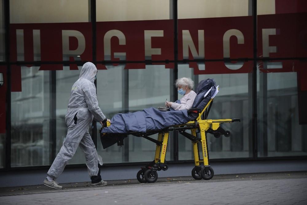 Fransa'da son 24 saatte korona virüsten 157 ölüm