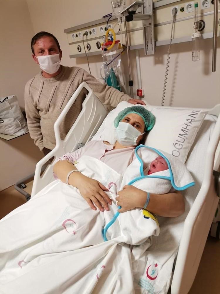 Giresun'da yılın ilk bebeği dünyaya geldi