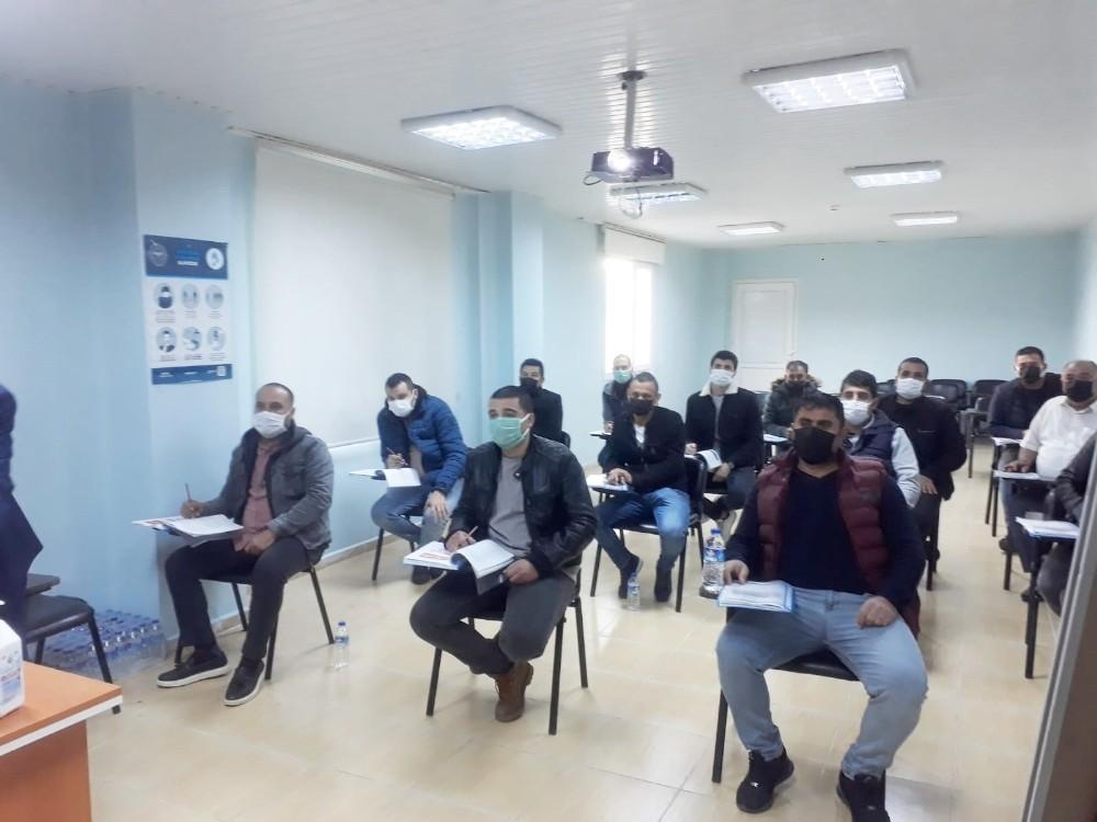 Hemzemin geçit görevlilerine eğitim
