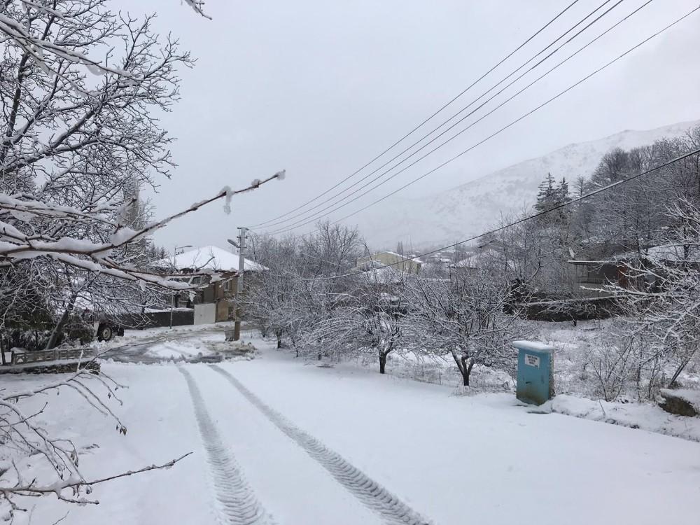 İzmir'de Bozdağ'da Kar Sevinci