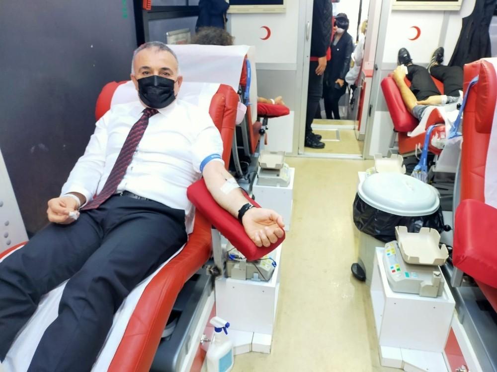 Kdz. Ereğli Kızılay kan bağışı kampanyası düzenledi
