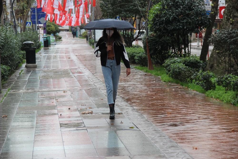 Kocaeli'de sağanak yağış öncesi  vatandaşlara uyarı yapıldı