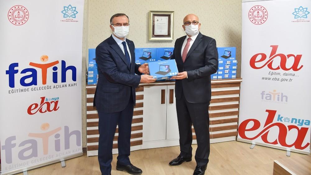 Konya Sanayi Odası'ndan öğrencilere tablet desteği