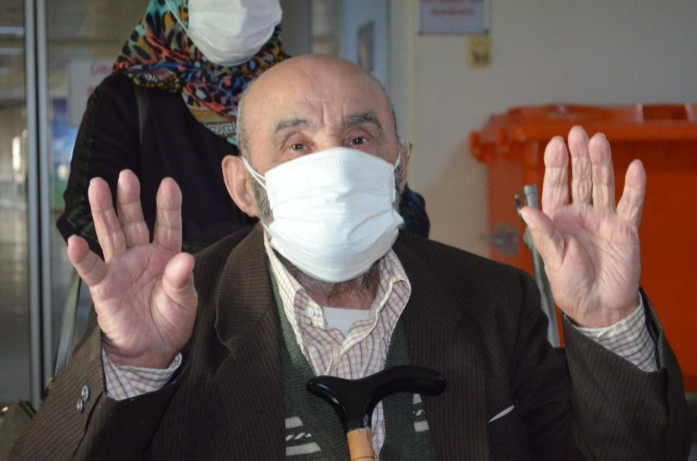 Kronik hastalıkları olmasına rağmen 90 yaşında koronayı yendi