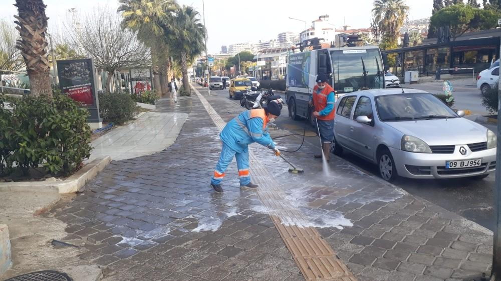Kuşadası'nda 2020 yılında 19 bin 211 dezenfekte işlemi gerçekleştirildi