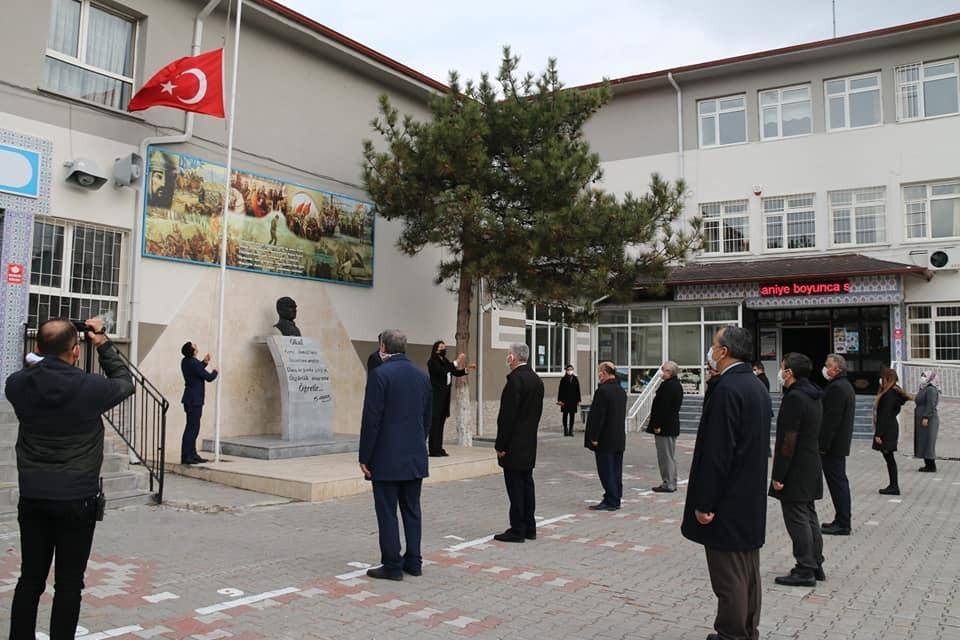 Kütahya'daki bütün okullarda İstiklal Marşı okundu