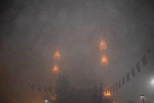 Malatya'da yoğun sis kartpostallık görüntüler oluşturdu