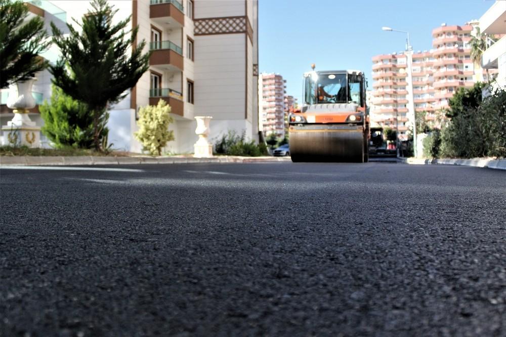 Mersin Büyükşehir Belediyesi, yol çalışmalarını aralıksız sürdürüyor