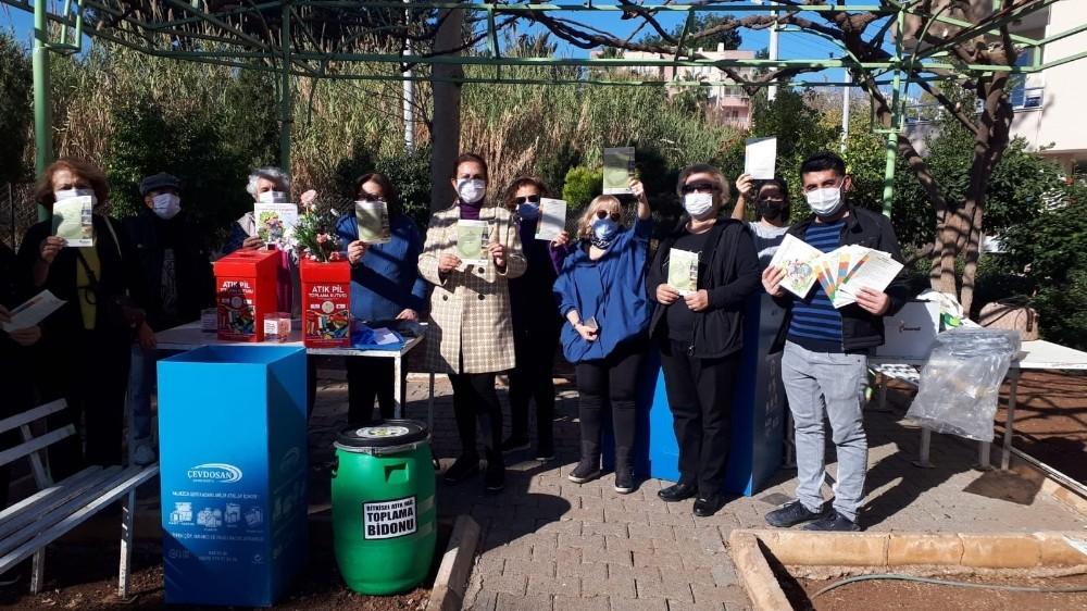 Mezitli'de çöpler kaynağında ayrıştırılıyor
