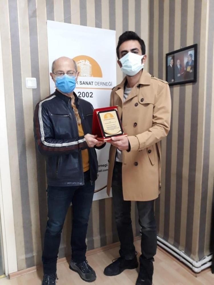 Odunpazarı Belediye Tiyatrosu'na bir ödül de Eskişehir Sanat Derneği'nden