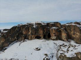 (Özel) Frigya'da kayaya oyularak yapılan Ayazini Kilisesi inanç turizmine kazandırılacak