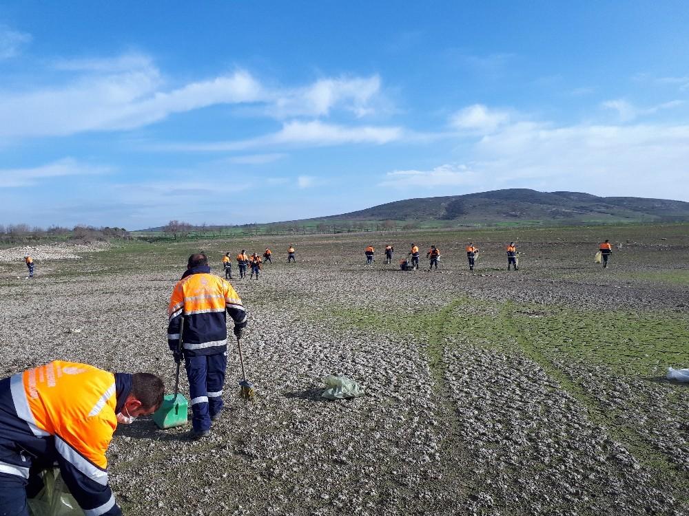 (Özel) Sazlıdere Barajı'nda temizlik çalışması