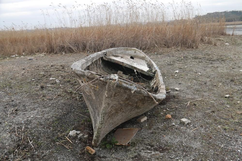 (Özel) Terkos gölünde korkutan görüntü