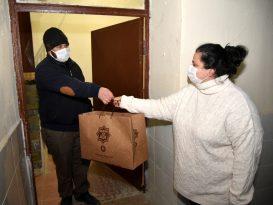 """Selçuklu Belediyesi'nden bin 250 aileye """"Çok Yaşa Bebek"""" hediyesi"""