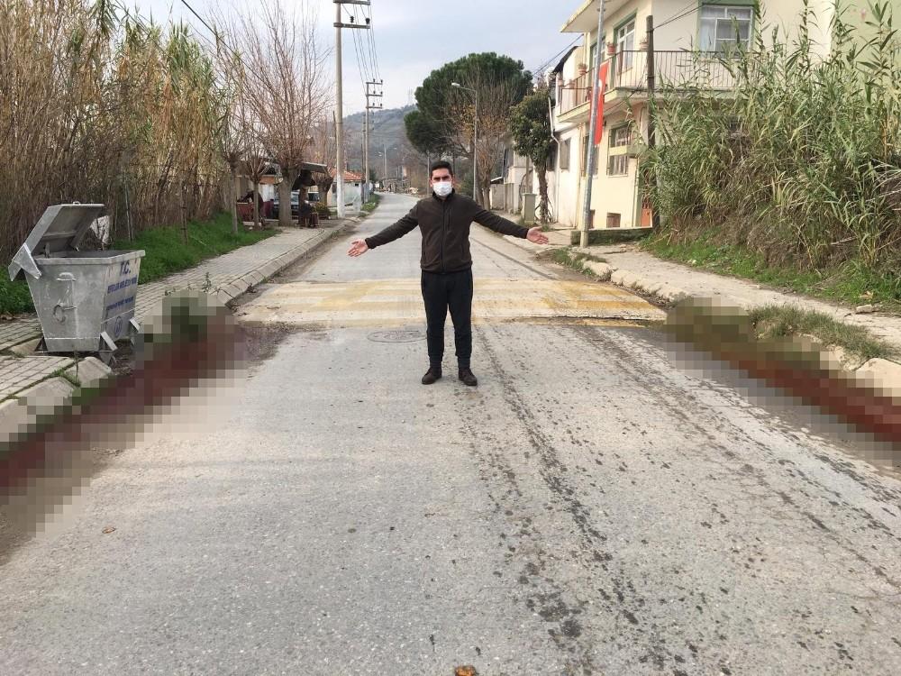 Sokak ortasından akan kanlı su paniğe neden oldu