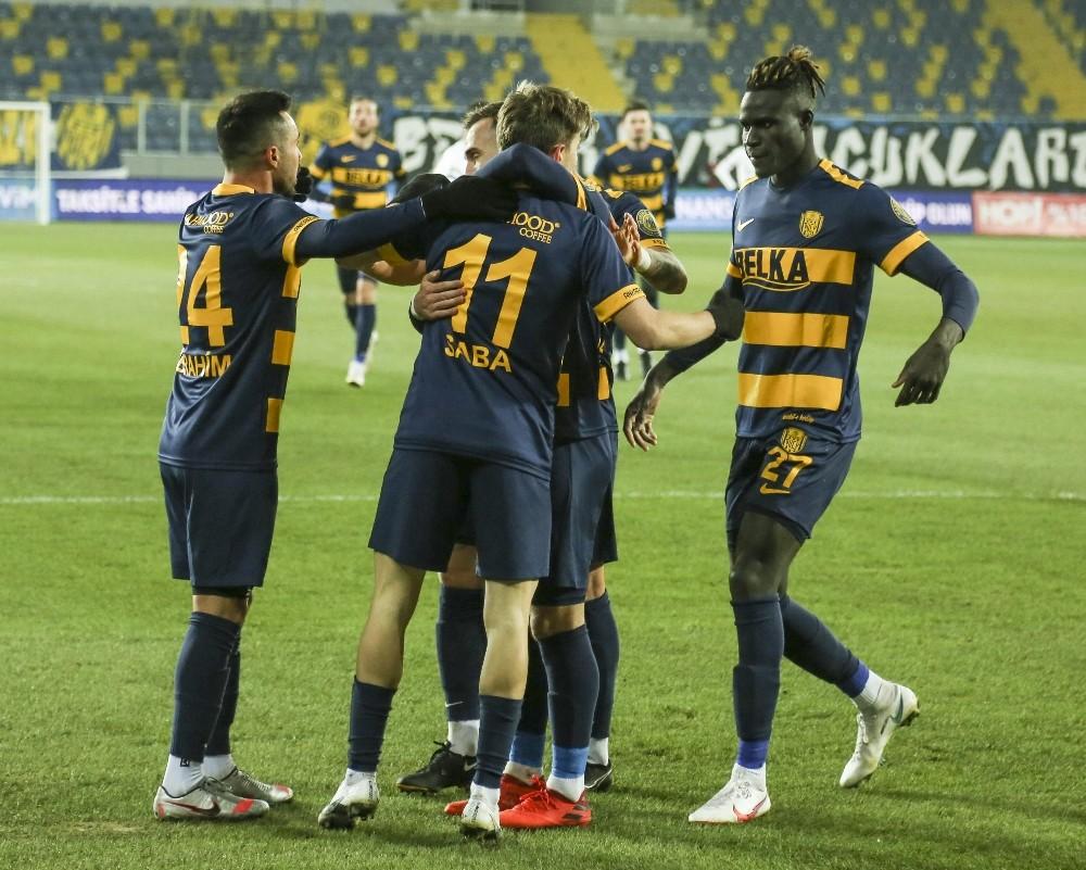 Süper Lig : MKE Ankaragücü: 1 – Kasımpaşa: 0 (İlk yarı)