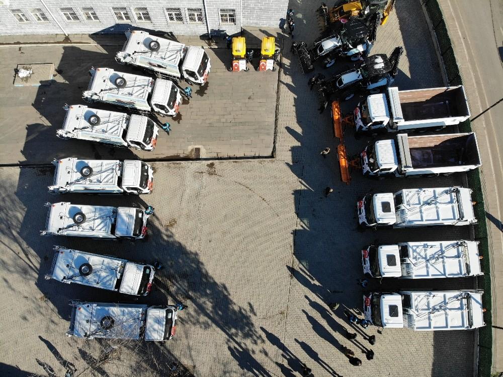 Sur Belediyesi araç filosunu güçlendirdi, ilçe pırıl pırıl oldu