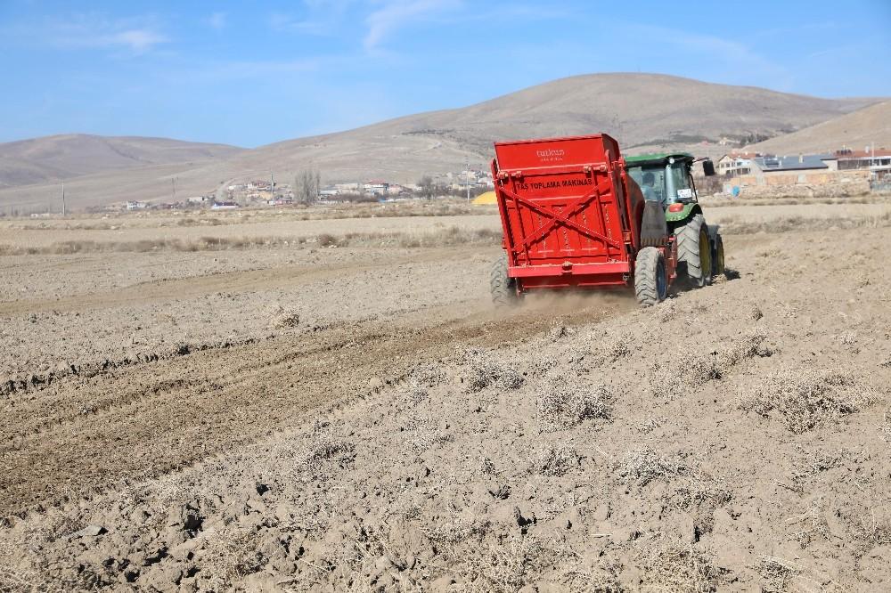 Talaslı çiftçilere destek yeni yılda da sürüyor