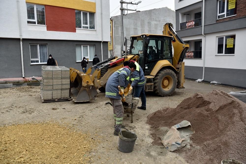 Tepebaşı'nda park yenileme ve bakım çalışmaları sürüyor