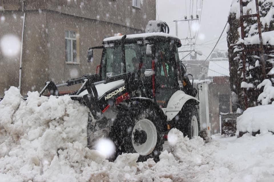 Uludere belediyesinin kar mesaisi